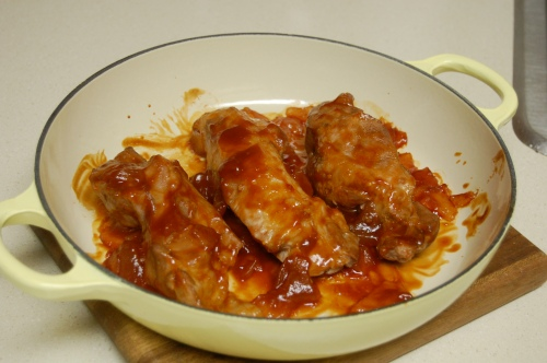 Asian pork ribs with sweet sauce
