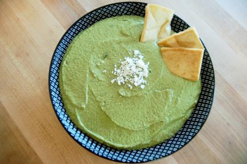 homemade spinach hummus - bonjourHan.com